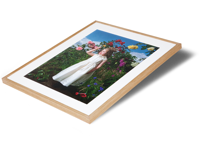 Sizes up to 40 x 30 inches Natural oak wood is perfect for setting off warm tones and compliments most photographic prints. Available in: narrow: (15mm) and wide: (20mm) Turn around time: By negotiation For larger sizes and a wider range of framing options, please visit our bespoke framing service at Metro Imaging.